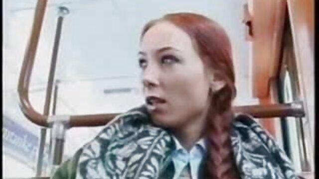 همسر روسی جدیدترین داستانهای سکسی تصویری با موهای قرمز خودش را به الاغ به شوهرش می دهد