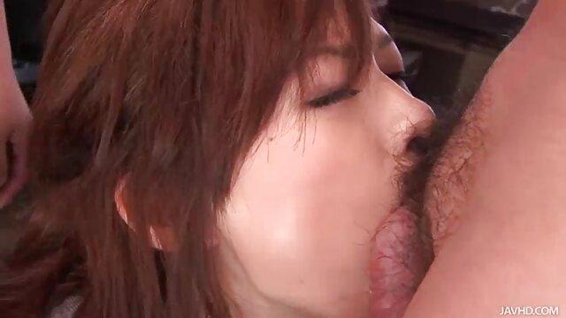 عاشق دوست کانال تلگرام سکس تصویری دختر بین سینه ها را فاک می کند