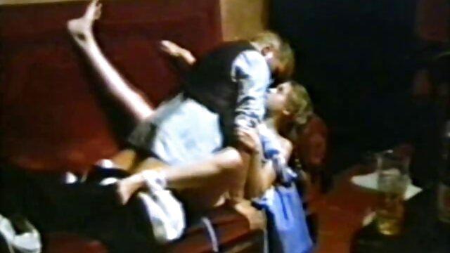 لیدی با مشت در مقعد و گربه دانلود مجله سکسی فارسی در خانه لگد زد