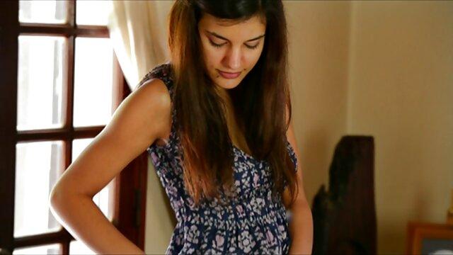 دانشجویان دختر جوان در حال فیلمبرداری از شیردوشی دانلود داستان سکسی تصویری ولما گسترده خود در مکان های مختلف